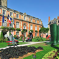 Park in front of the town hall at Boulogne-sur-Mer, France